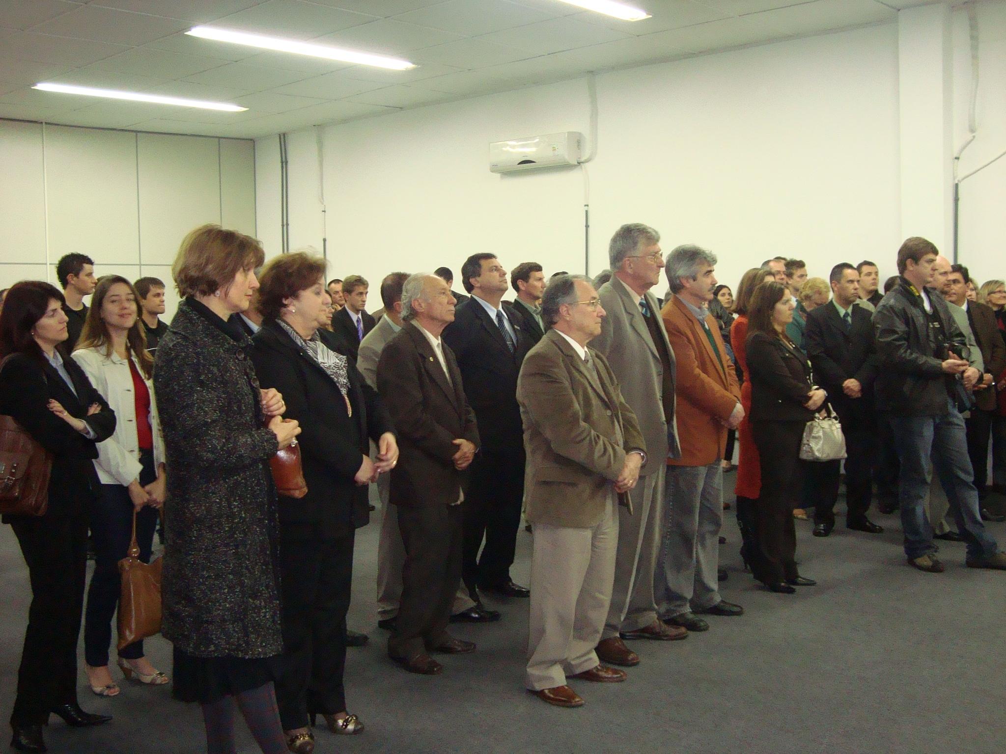 Convidados, representantes da comunidade externa, servidores dos campi, e pró-reitores.